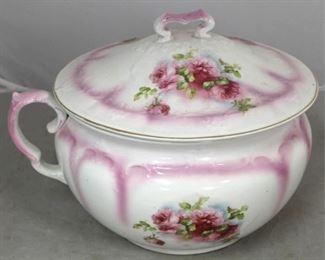 122 - Vintage English Chamberpot - 9 1/2 x 9