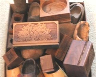 147 - Assorted wood items