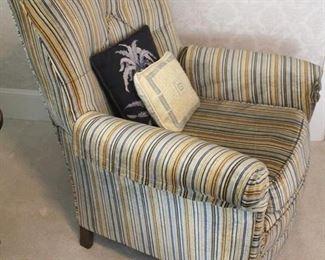 200 - Vintage overstuffed chair 36 x 33 x 28