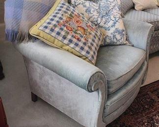 204 - Vintage overstuffed arm chair 33 x 31 x 28
