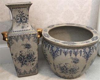 205 - Art pottery 2 vases