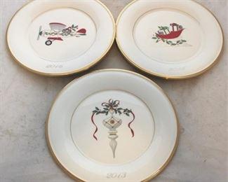 225 - 6 Lenox Christmas plates