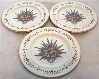 226 - 6 Lenox Christmas plates