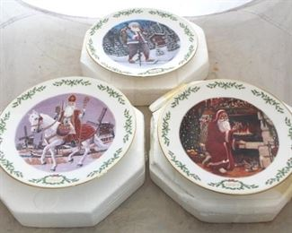 231 - Lenox Christmas plates