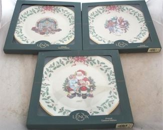 236 - Lenox Christmas plates