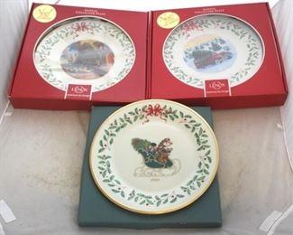 238 - Lenox Christmas plates