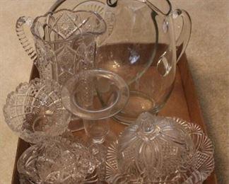 290 - Assorted glassware