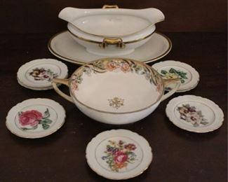 329 - Lot of assorted china set