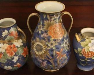 346 - 3 Nippon vases