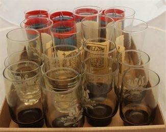 419 - Assorted vintage tumblers