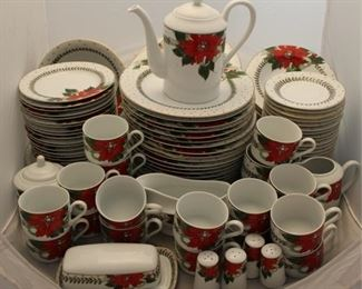 421 - 117 Pc American Atelier by Susanne Evans china