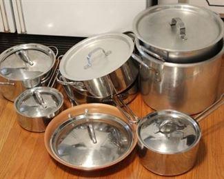 424 - Assorted pots & pans