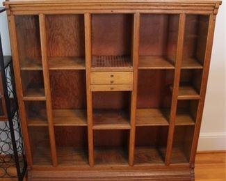 435 - Wood bookshelf 48 x 47 x 11