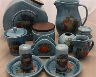 444 - 12 Pc assorted pottery set