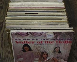 467 - Assorted vintage albums