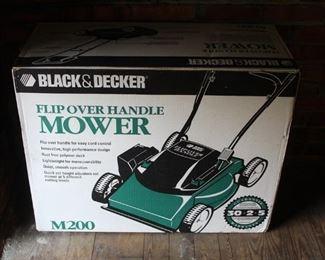 479 - Black & Decker flip over handle mower M200 New in box