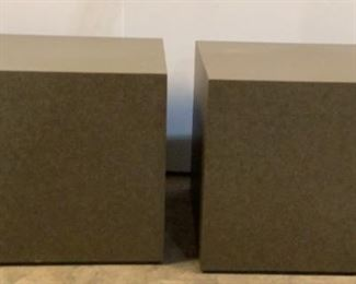 """Located in: Chattanooga, TN End Table Cubes Size (WDH) 24""""W X 24""""D X 19 1/2""""H * Has Some Minor Scratches* *Sold As Is Where Is*"""