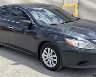 VIN 1N4AL3AP6JC271014 Year: 2018 Make: Nissan Model: Altima Trim Level: Sedan Engine Type: 2.5L L4 Transmission: Automatic Miles: 49,694 Color: Gray Driveline: 2WD Located In: Chattanooga, TN Operational Status: Runs and Drives Power Windows Power Locks Power Mirrors Power Seats Heat/AC Tested Works Cloth Interior Sold on TN Title **Sold as is Where is**  BK Number- 1:20-BK-13237-NWW  1-81