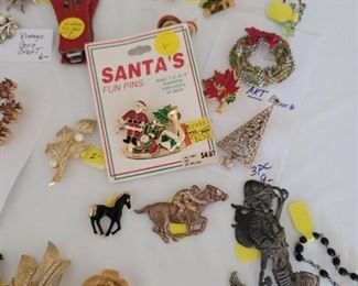 Vintage Jewelry Pins