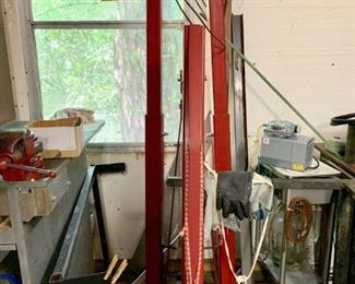 4000 Lb. Hydraulic Crane