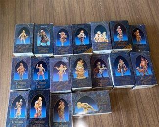 18 Fontanini Figurines