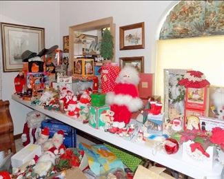 Holiday Dolls and Collectibles