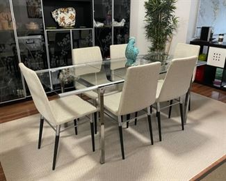 """HALF OFF!  $300.00 NOW, WAS $600.00......................Extendable Glass Table and 6 Chairs Extended: 74"""" x 34"""" without extensions: 49"""" x 34"""" (R047)"""