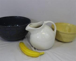 Vintage Ceramic Pitcher & Large Fruit Bowls