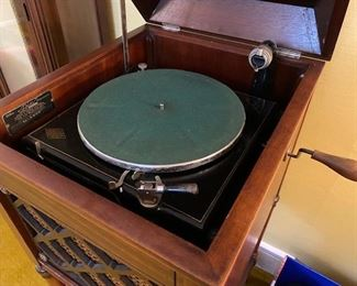 Edison disc player works great