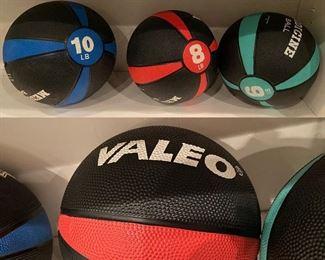 Valeo Medicine Balls 6, 8, & 10lb Balls