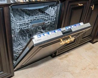 Three Bosch Silence Plus Dishwashers. S/N SHV68 L3VC/07. Circa 2013-2014. Condition of Each: Good to Very Good.For Three:$2,100.00 or Each $700.00