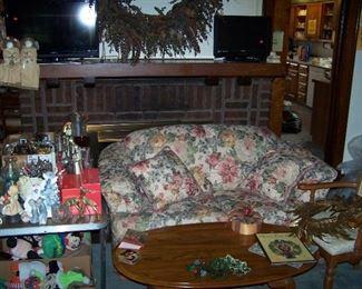 FLORAL TWO-CUSHION LOVESEAT, OAK COFFEE TABLE,  FLAT-SCREEN TV & MISC.