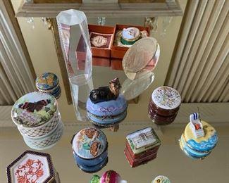 Porcelain box collection