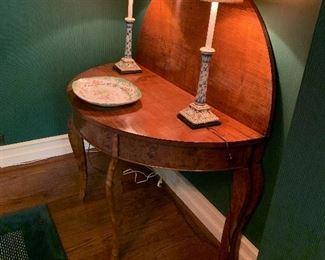 Round folding game table, tea table