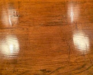 Detail of wood on folding table