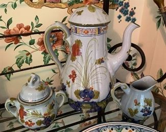 Pottery: Portugal and Italy