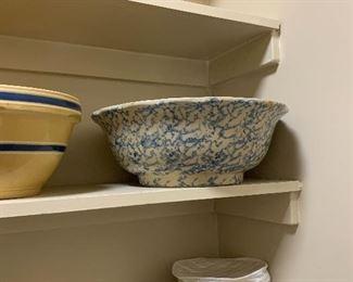 Spongeware mixing bowl -large
