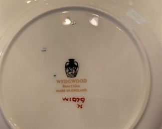15 place setting plus pieces Wedgwood dinnerware