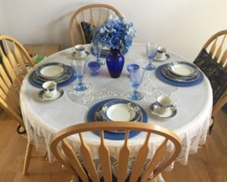 Round Oak Kitchen Table With 4 Chairs