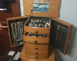 Jewelry Chest Filled With Jewelry, The Jewelry Will Be Sold Seperately