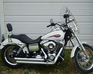 2007 Harley Davidson Motorcycle Dyna mileage 10,500 a very sweet ride!!!
