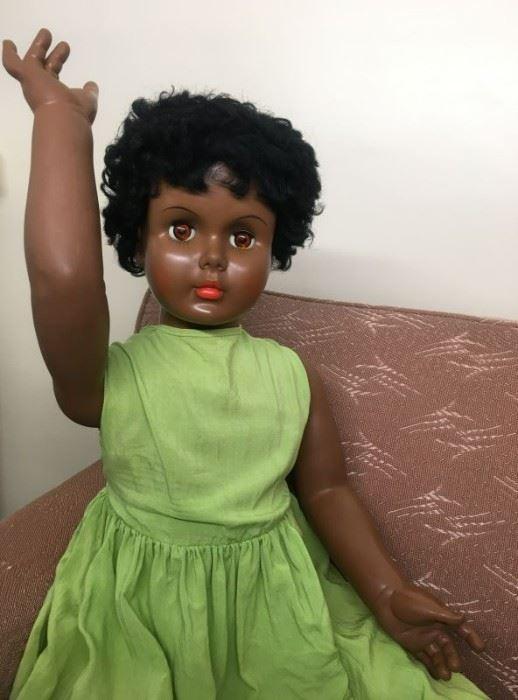 71 Vintage AE Playpal Doll Detailmin