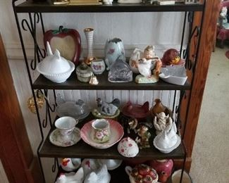 Various Dishes & Décor