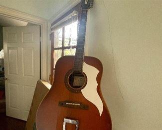 Beautiful guitar!