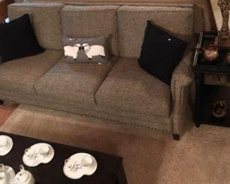 Near New Smith Brothers Brashears Sofa