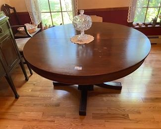 Antique Mahogany Dining Table with 3 leaves