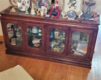 LIGHTED CURIO CONSOLE TABLE