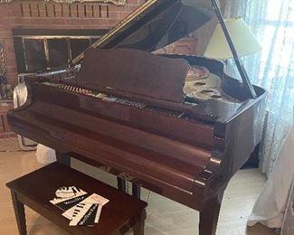 Wurlitzer G-461 Grand piano. Available for immediate purchase