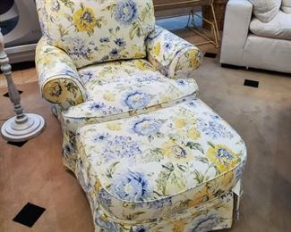Broyhill floral chair & ottoman.  Like new condition!