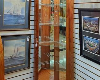 Several high quality curio's in this sale!  All very nice.